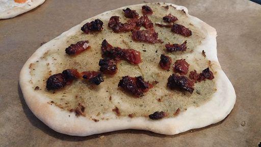 Flammkuchen vegan Tomate Kräuter