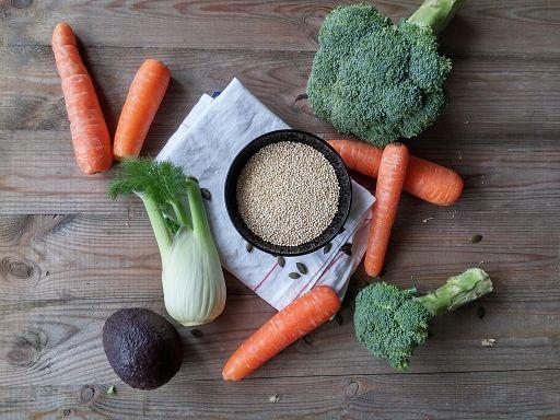Möhren, Brokkoli, Fenchel. Avocado und Quinoa