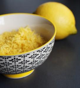 Zitronenschale fein gerieben